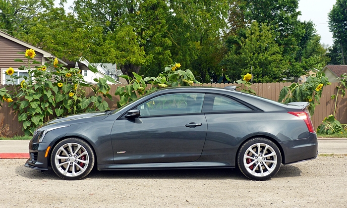Cadillac ATS Photos: 2014 ATS sedan front quarter view Ohio