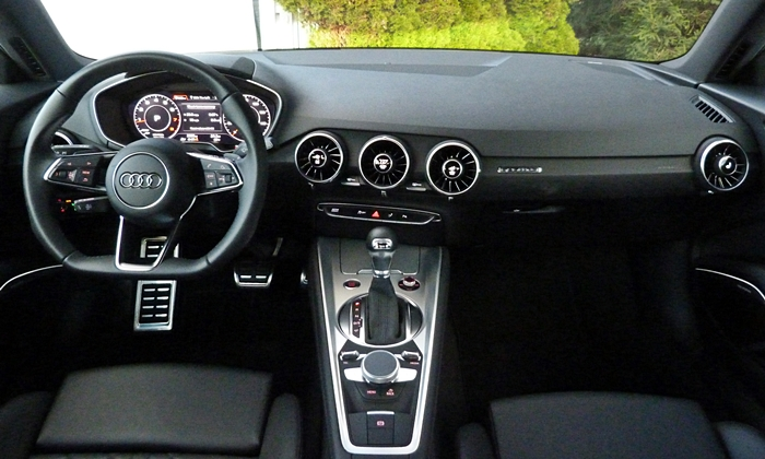 TT Reviews: Audi TT instrument panel full