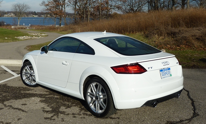 TT Reviews: Audi TT rear quarter view