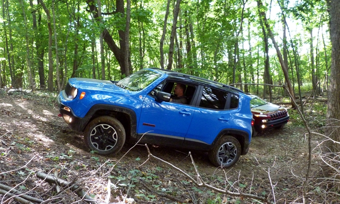 Jeep Renegade Photos: Jeep Renegade off-roading