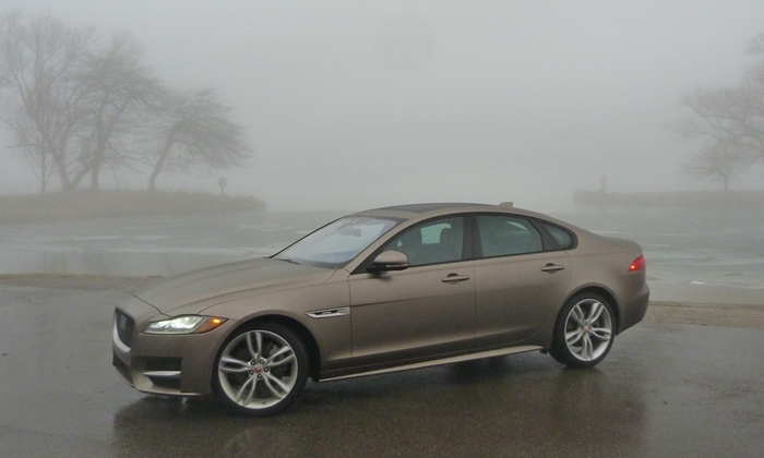 XF Reviews: Jaguar XF front quarter