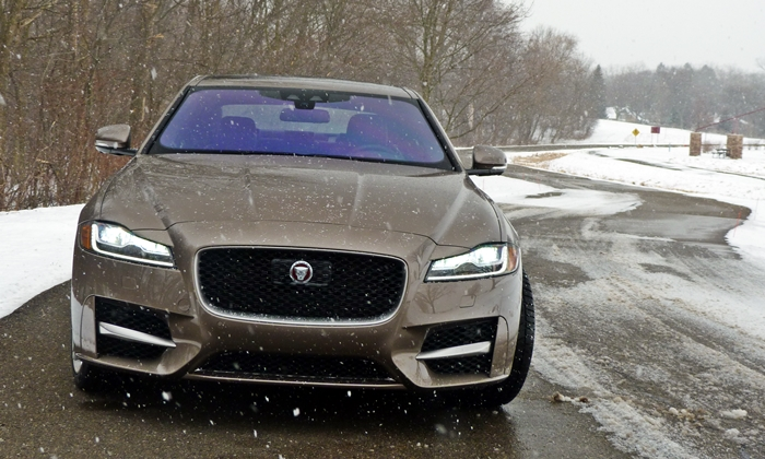 XF Reviews: Jaguar XF front view