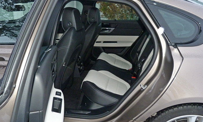 XF Reviews: Jaguar XF rear seat