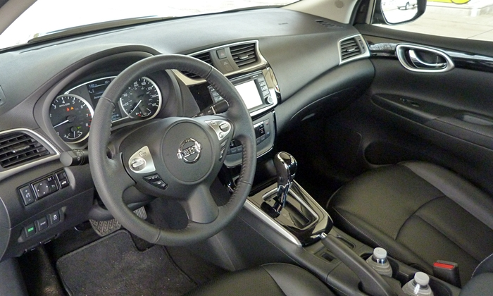Sentra Reviews: Nissan Sentra interior