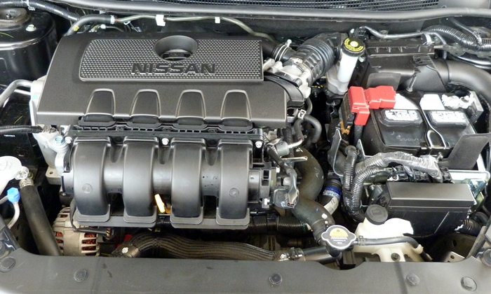 Nissan Sentra Photos: Nissan Sentra engine