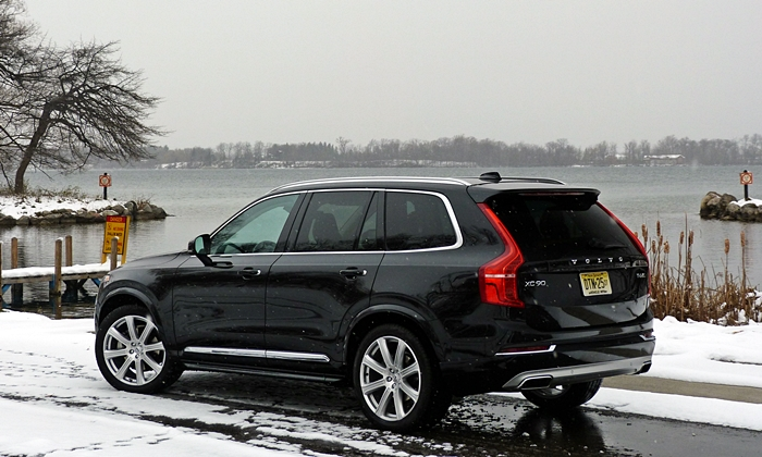 Audi Q7 Photos: Volvo XC90 rear quarter
