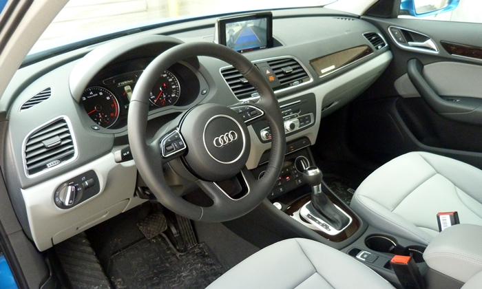 BMW X1 Photos: Audi Q3 interior