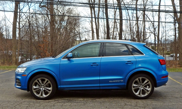 BMW X1 Photos: Audi Q3 side view