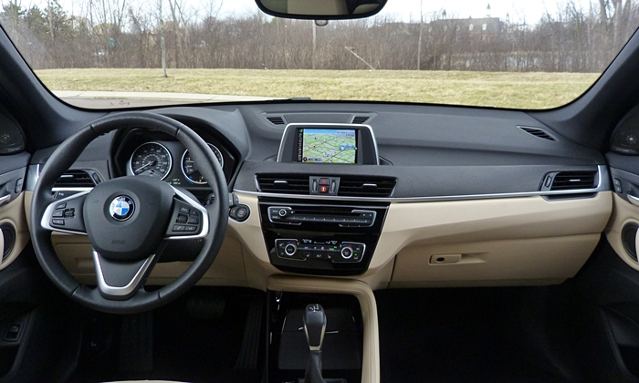 BMW X1 Photos: BMW X1 instrument panel full