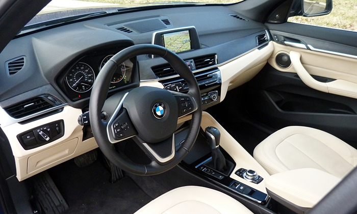 BMW X1 Photos: BMW X1 interior