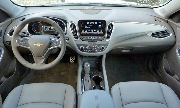 Chevrolet Malibu Photos: Chevrolet Malibu instrument panel full