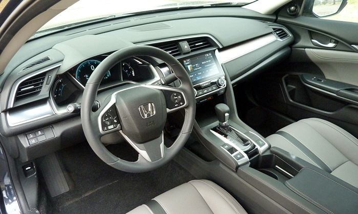 Chevrolet Cruze Photos: Honda Civic interior