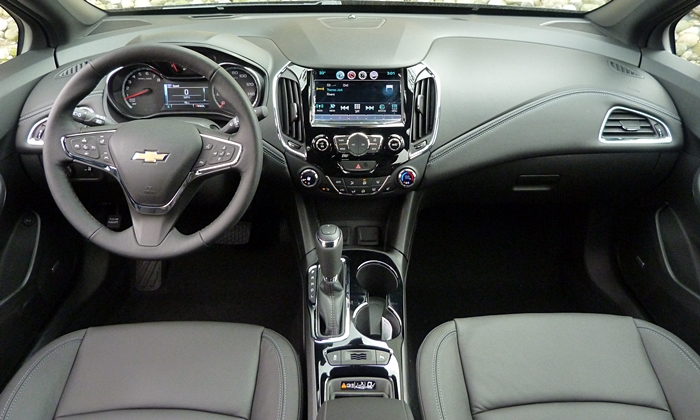 Chevrolet Cruze Photos: Chevrolet Cruze instrument panel full