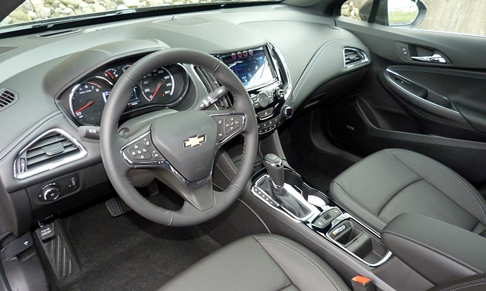 Cruze Reviews: Chevrolet Cruze interior