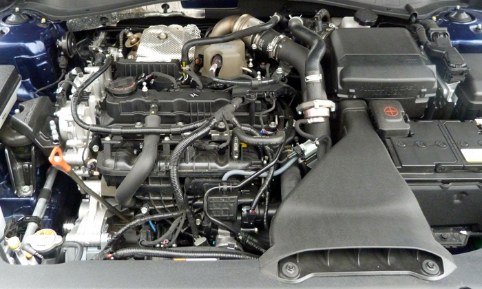 Kia Optima Photos: Kia Optima SX engine uncovered