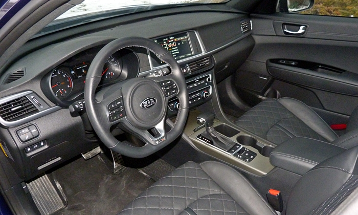 Optima Reviews: Kia Optima SX interior