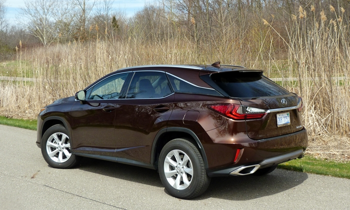 RX Reviews: Lexus RX 350 rear quarter view