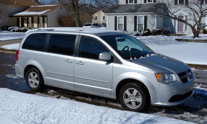 Chrysler Pacifica Photos: Dodge Grand Caravan front quarter view