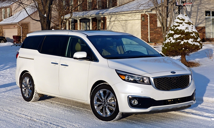 Chrysler Pacifica Photos: Kia Sedona front quarter view