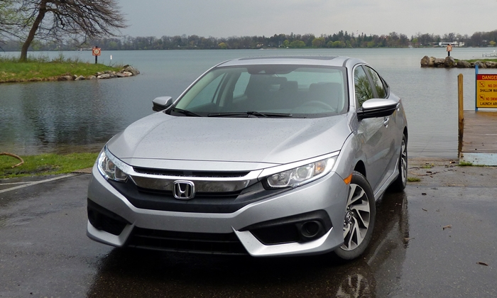 Honda Civic Photos: 2016 Honda Civic front view