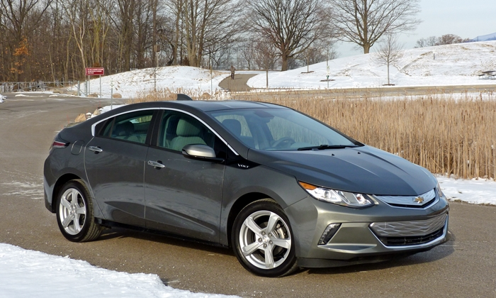 Volt Reviews: Chevrolet Volt front quarter