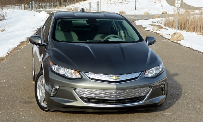 Volt Reviews: Chevrolet Volt front