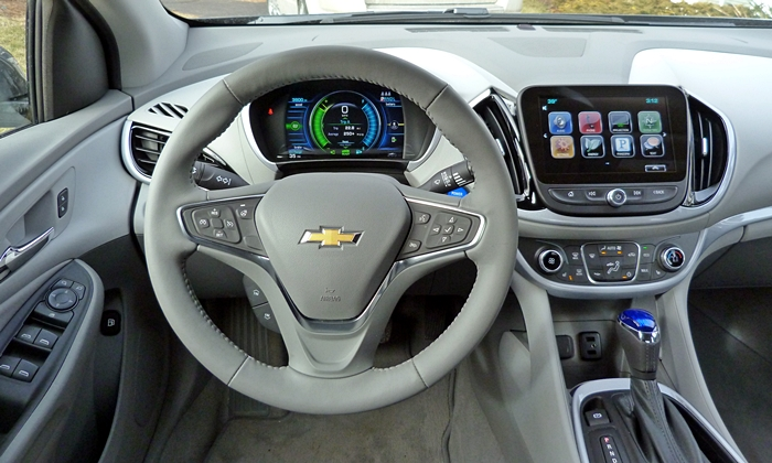 Volt Reviews: Chevrolet Volt instrument panel
