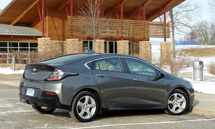 Volt Reviews: Chevrolet Volt rear quarter