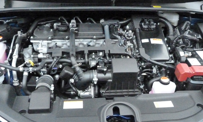 Toyota Prius Photos: Toyota Prius engine uncovered