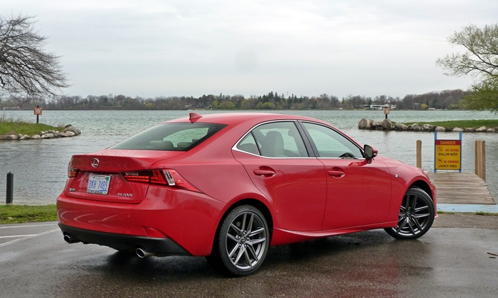 IS Reviews: Lexus IS 200t rear quarter