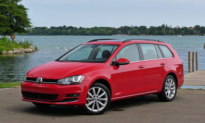 Golf / GTI Reviews: Volkswagen Golf SportWagen front quarter view