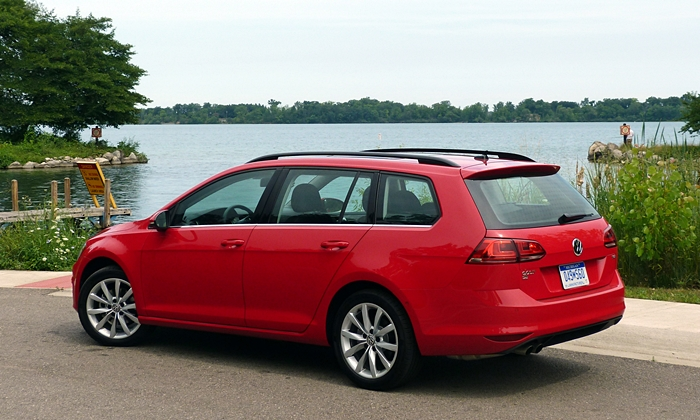 Golf / GTI Reviews: Volkswagen Golf SportWagen rear quarter view