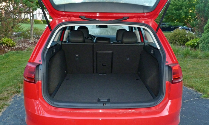 Volkswagen Golf / Rabbit / GTI Photos: Volkswagen Golf SportWagen cargo area
