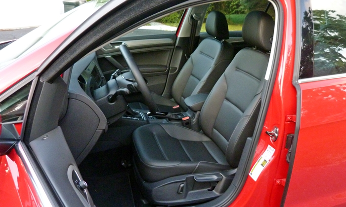Volkswagen Golf / Rabbit / GTI Photos: Volkswagen Golf SportWagen driver seat
