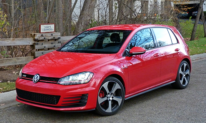 Volkswagen Golf / Rabbit / GTI Photos: Volkswagen GTI front quarter view