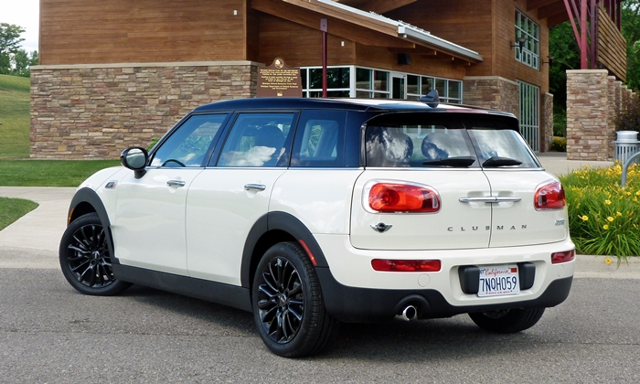 Clubman Reviews: Mini Cooper Clubman rear quarter