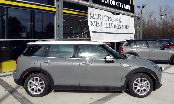 Mini Clubman Photos: Mini Cooper Clubman side base wheels