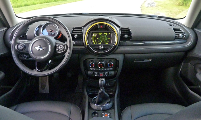 Mini Clubman Photos: Mini Cooper Clubman instrument panel full