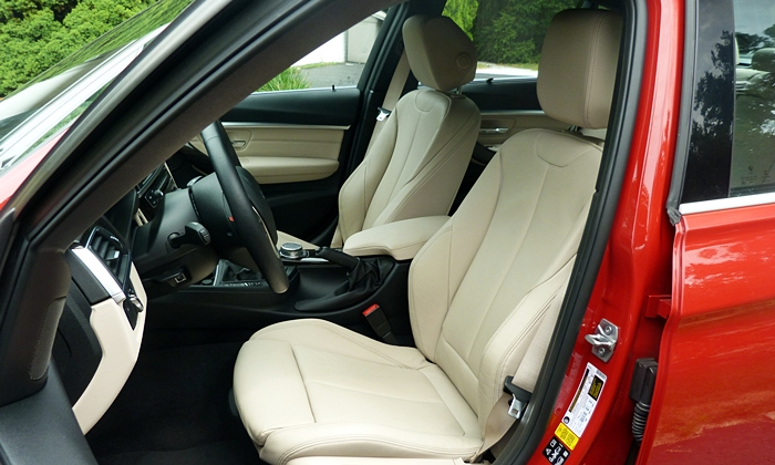 BMW 3-Series Photos: BMW 340i driver seat