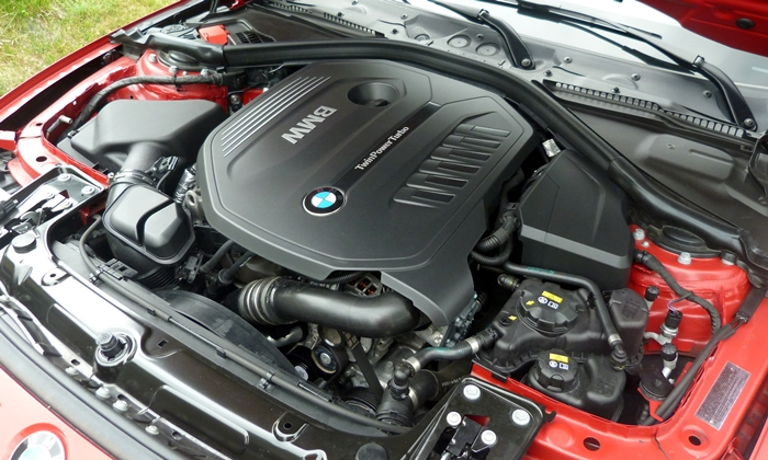 3-Series Reviews: BMW 340i engine