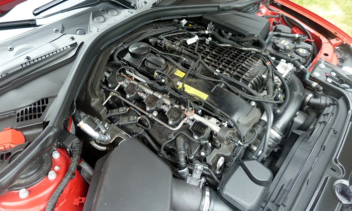 BMW 3-Series Photos: BMW 340i engine uncovered