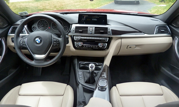 BMW 3-Series Photos: BMW 340i instrument panel full