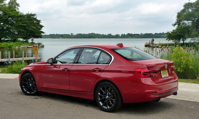 3-Series Reviews: BMW 340i rear quarter view