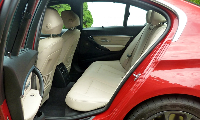 3-Series Reviews: BMW 340i rear seat