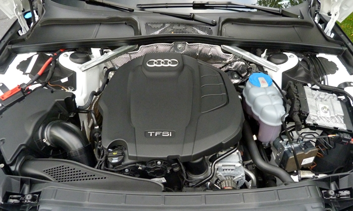 Audi A4 / S4 / RS4 Photos: 2017 Audi A4 engine