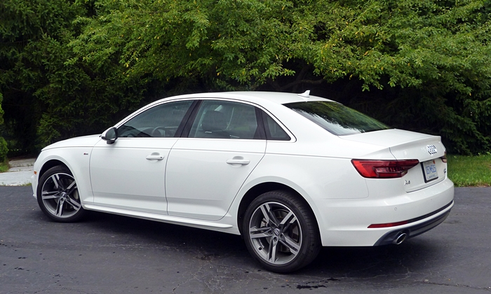 A4 Reviews: 2017 Audi A4 rear quarter view