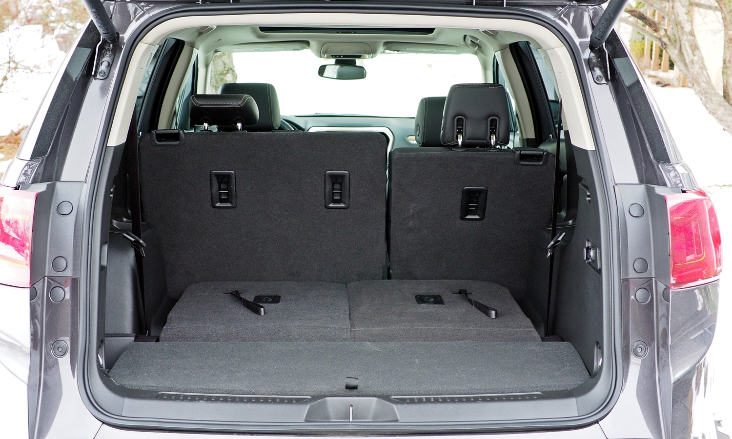 GMC Acadia Photos: 2017 GMC Acadia cargo area third row folded