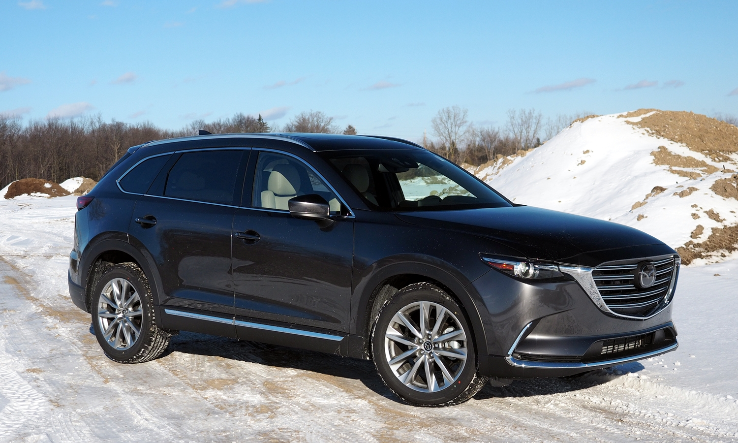 GMC Acadia Photos: 2016 Mazda CX-9 front quarter view