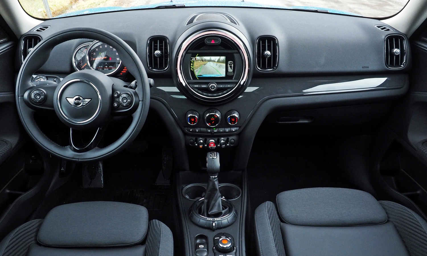 Kia Soul Photos: 2017 Mini Countryman instrument panel