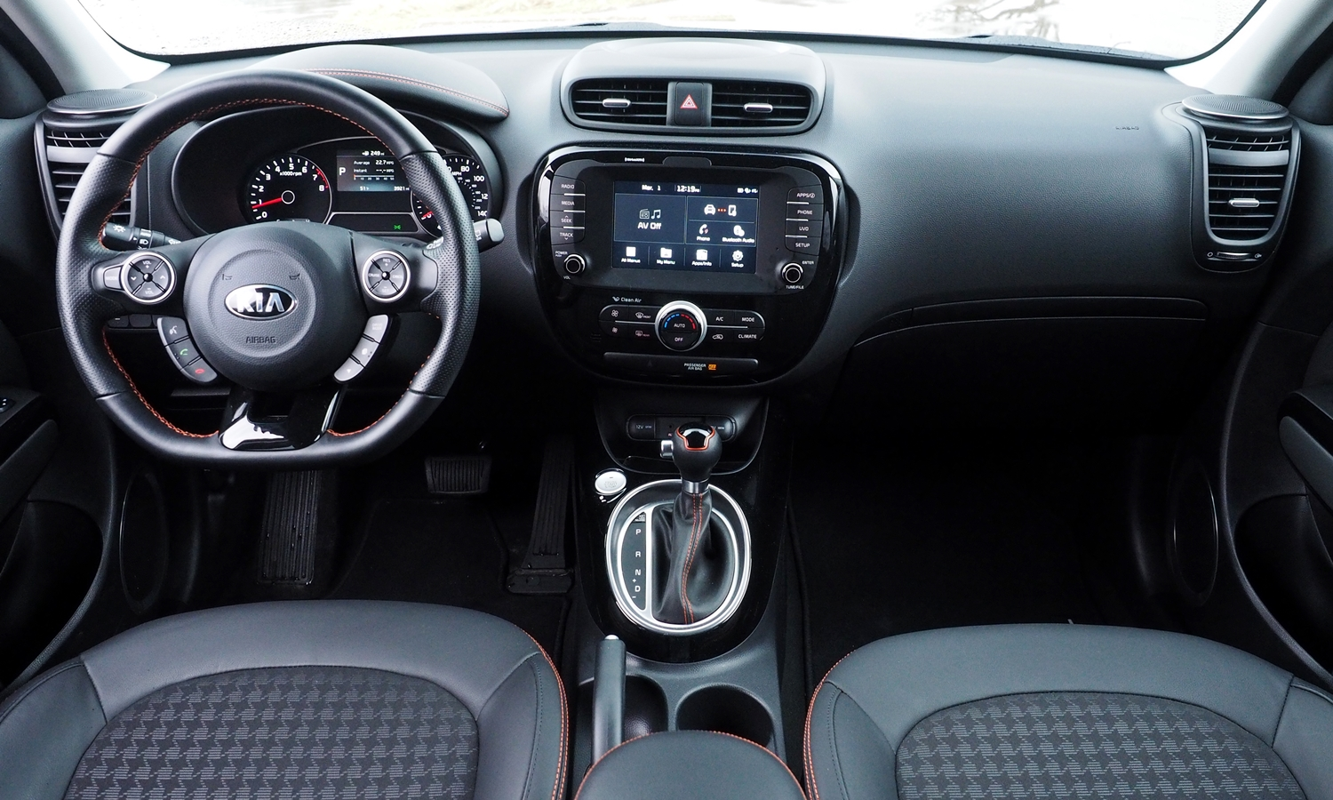 Kia Soul Photos: 2017 Kia Soul ! instrument panel full
